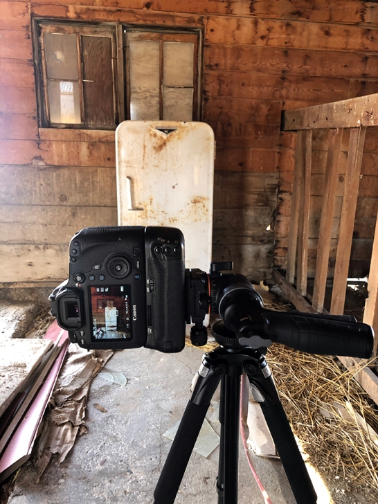 Family Friend Barn Insed Behind the Scenes 2